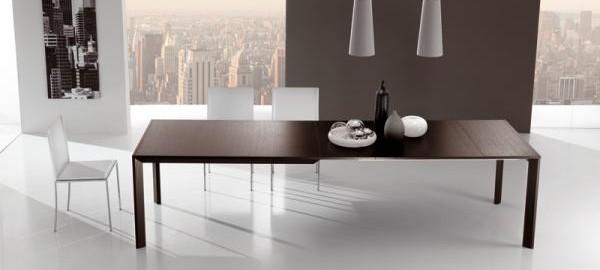 In poco spazio un grande tavolo... da riflessi, tavolo city ...