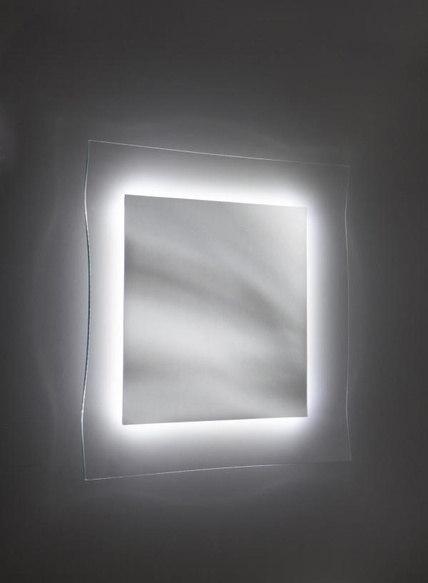 Da riflessi specchio ginevra lo specchio con - Specchio con illuminazione led ...