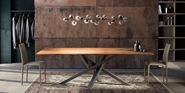 Riflessi presenta il Tavolo Shangai con piano sottile in rovere