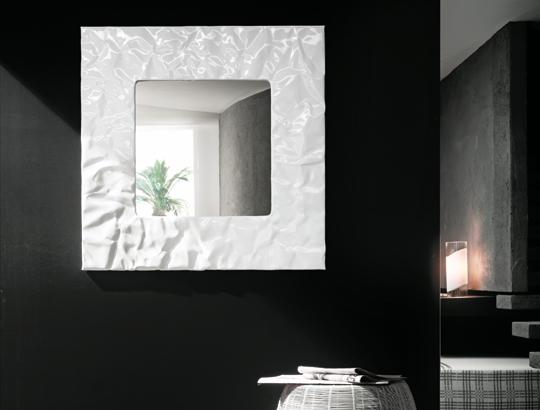 mito specchio quadrato