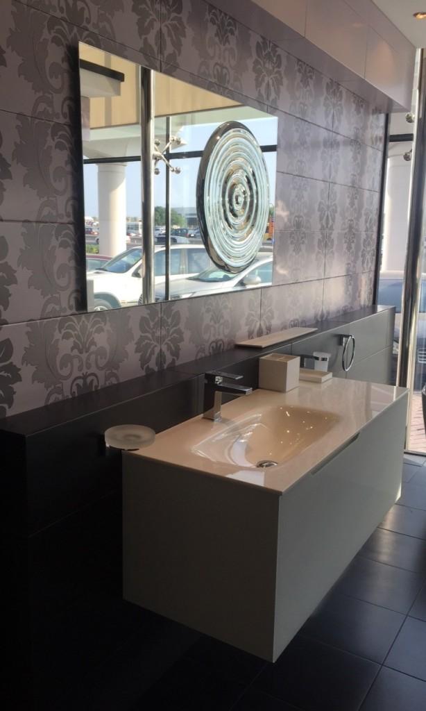 Arreda con eleganza anche il bagno, specchiera ideale